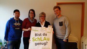 Hiltrud Lotze (mit Plakat, MdB) SPD